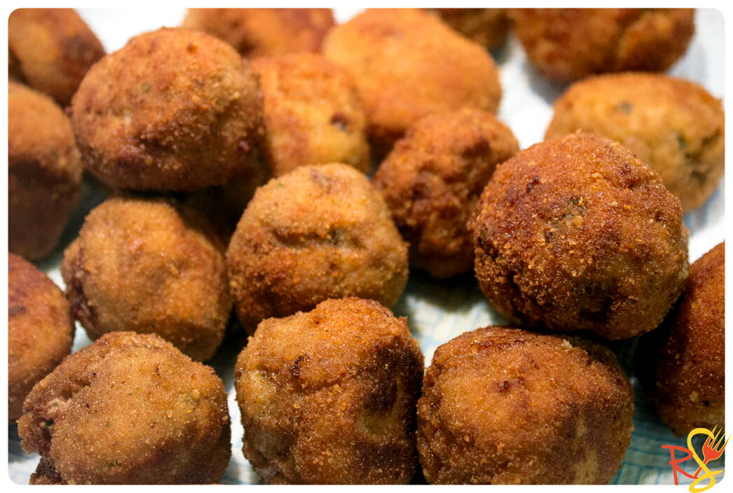 Fryed Meatballs With Provola Cheese