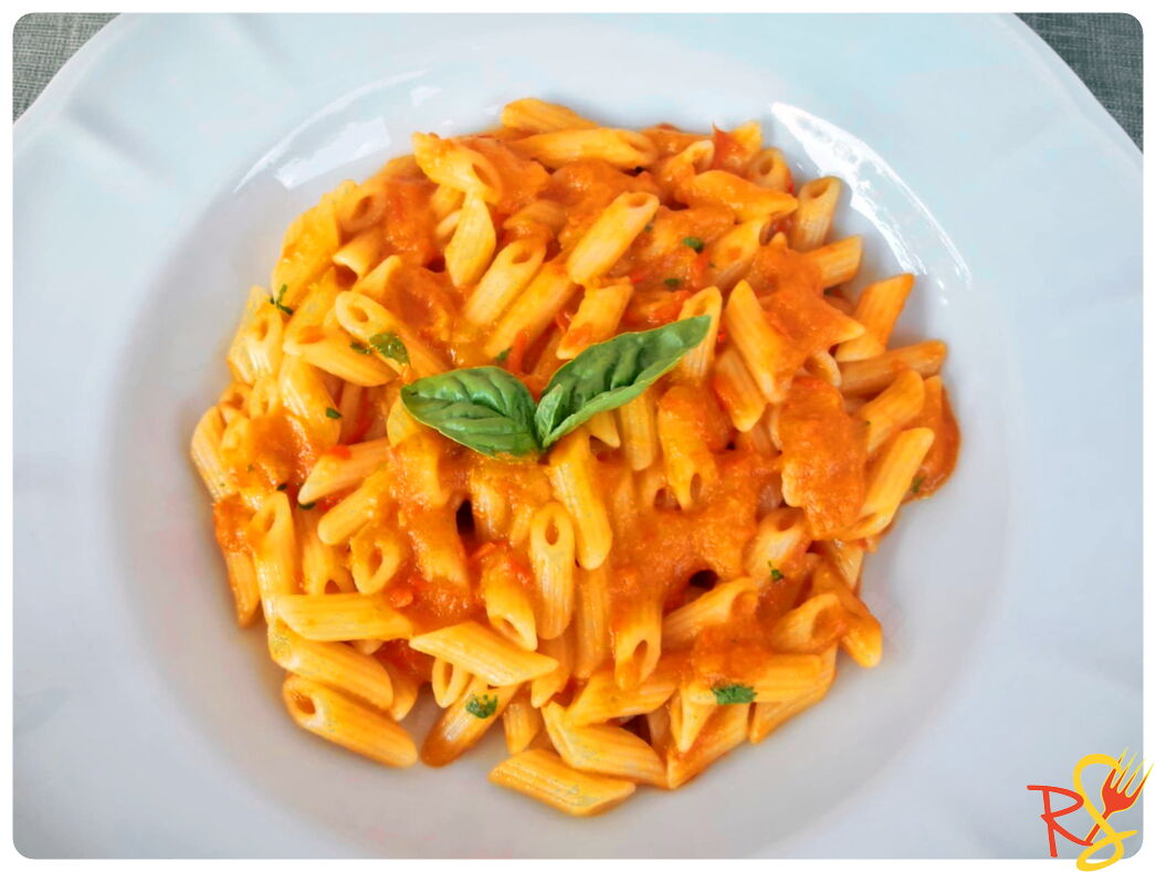 Vegan Roasted Red Pepper Sauce Pasta